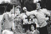 Fotbalový trenér Milan Bubla (dole uprostřed) v dobách své hráčské kariéry v dresu České Lípy.