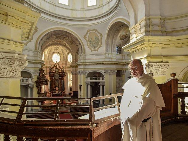 Děkan Pavel Mayerke vbazilice svatého Vavřince a svaté Zdislavy vJablonném vPodještědí.