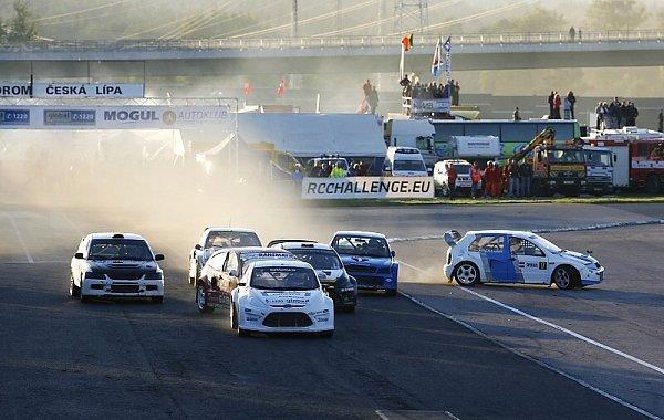 Finálový závod automobilové série RCE Rallycross Challenge Europe hostí autodrom vSosnové.