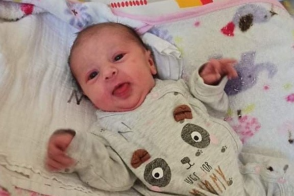 Rodičům Dominice a Janovi Bubákovým z Jablonce nad Nisou se ve čtvrtek 22. října v 19:58 hodin narodila dcera Petra Bubáková. Měřila 47 cm a vážila 2,62 kg.