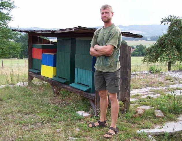 Jedním z příjemců krajské dotace je i českolipský včelař Ondřej Trunec.