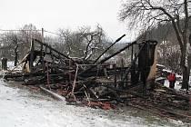Oheň novostavbu zcela zničil a výše vzniklé škody dosáhla 1,2 milionu korun.