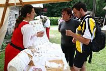 Na Housce se každé léto koná série tématických jarmarků.