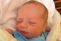 Mamince Lence Straussové z Kamenického Šenova se 5. dubna ve 23:38 hodin narodil syn Jakub Kadavý. Měřil 50 cm a vážil 3,14 kg.