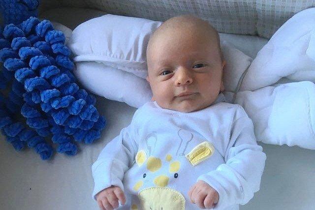 Rodičům Vilii a Janovi Kollinovým ze Starých Splavů se v neděli 11. dubna v 15:31 hodin narodil syn Vilém Kollin. Měřil 49 cm a vážil 2,99 kg. Doma se na něj těšil také bráška Honza.