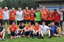Fotbalový celek TJ Doksy v sobotu večer potvrdil jasný postup do krajského přeboru, který vybojoval po remíze 2:2 s Košťálovem.