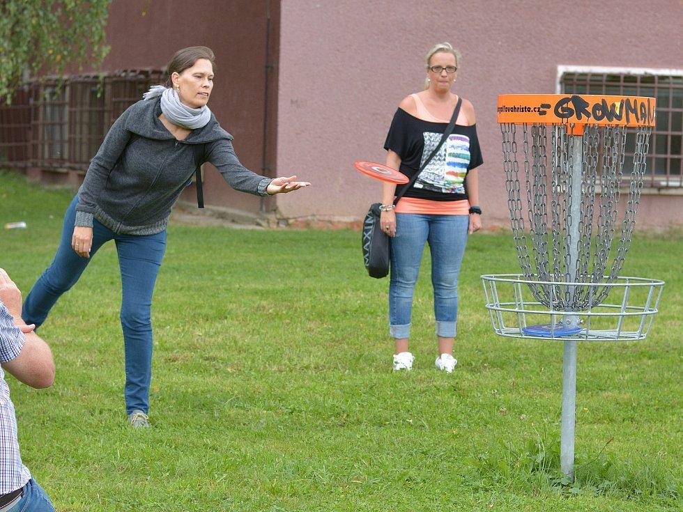 První disciplínou byl turnaj v diskgolfu na opomíjeném hřišti u rozhraní sídlišť Střelnice a Sever.
