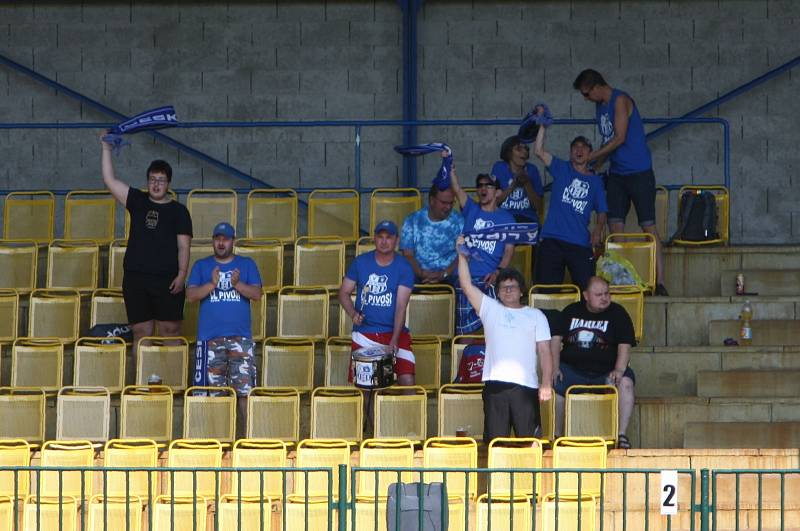 Fotbalisté České Lípy (modré dresy) podlehli Liberci B 1:4.