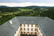 Celý tento týden bude mimořádně přístupná středověká věž na Lemberku, odkud je nádherný rozhled do okolí.