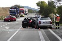 Při pondělní nehodě u Dobranova se zranilo pět lidí.
