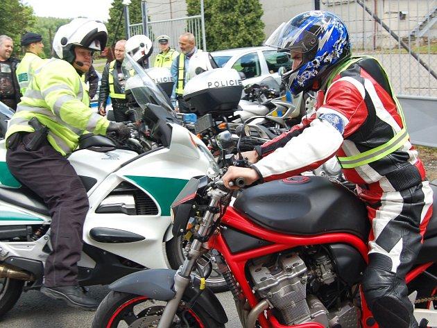 Policisté se při kontrolách zaměřili především na motorkáře.