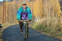Na slavnostní otevření druhé etapy cyklostezky Varhany přijel na kole i zastupitel Jaromír Štrumfa.