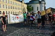 Demonstrace proti Babišovi v Novém Boru.