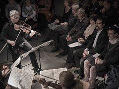 V Centru textilního tisku se představil úspěšný Pavel Haas Quartet s programem nazvaným Vášeň na čtvrtou.