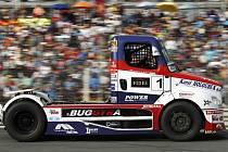 Na trati autodromu v Sosnové u České Lípy se utkají jeden z nejmenších a nejslabších soutěžních automobilů Opel Adam cup s okruhovým speciálem Buggyra Big Boy.