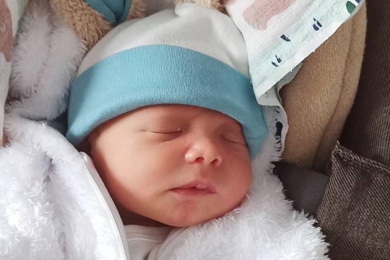 Rodičům Karolíně Šádkové a Tomáši Melkovi z Hejnic se ve čtvrtek 30. září v 7:56 hodin narodil syn Filip Melka. Měřil 49 cm a vážil 3,31 kg.