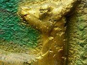 Během desítek let se na pomníku vystřídalo několik generací vandalů.