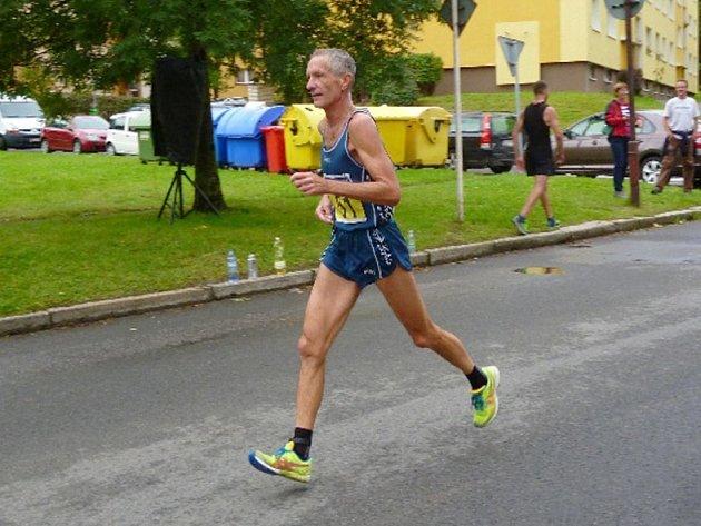 Zdeněk Bufka vyhrál ve Cvikově kategorii nad 60 let.