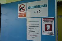 Fotoreportáž z přípravy a začátku voleb, volebních místností v České Lípě.