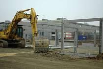 Stavba Sparu na Holém Vrchu pokračuje