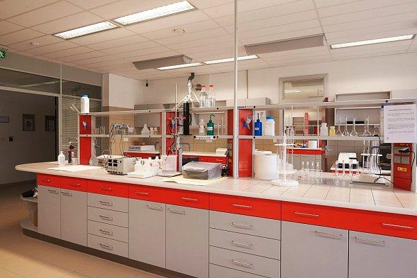 Unikátní inovační centrum zaměřené na membránové technologie, které se využívají například při čištění vody, vybudovala ve Stráži pod Ralskem společnost MemBrain.