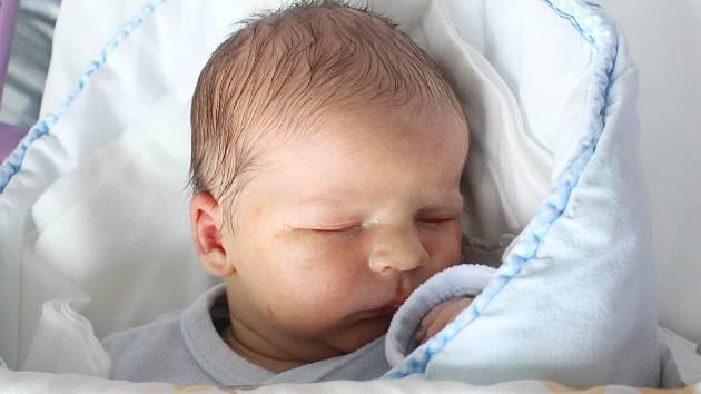 Rodičům Anetě a Štěpánovi Slaným z České Lípy se ve středu 10. dubna v 9:30 hodin narodil syn Albert Slaný. Měřil 52 cm a vážil 3,79 kg.