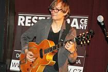 Jazzový kytarista Rudy Linka přijel po roce znovu zahrát do Lípy.
