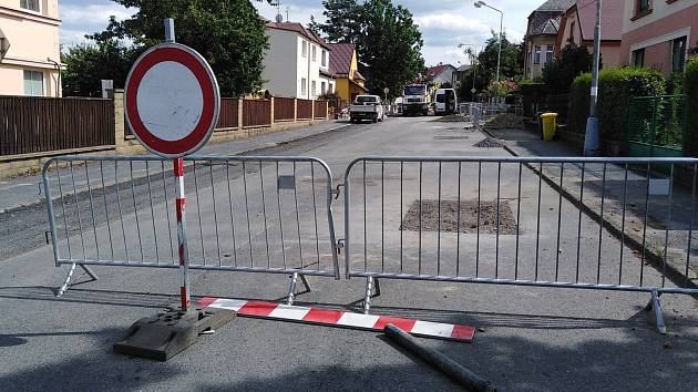 Ilustrační snímek. Oprava ulice.