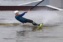 V sobotu se v Dubici řádilo ve vzduchu i na vodě.