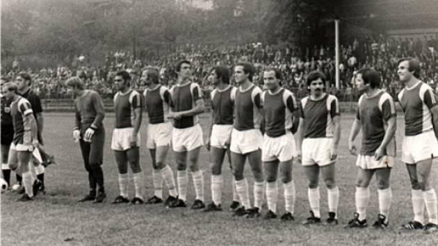 Pohárový zápas České Lípy proti Dukle Praha. Psal se rok 1985, Dukla vyhrává jasně 7:2.
