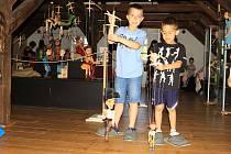 Městské muzeum v Mimoni připravilo na léto velkou rodinnou interaktivní výstavu za světa loutek.