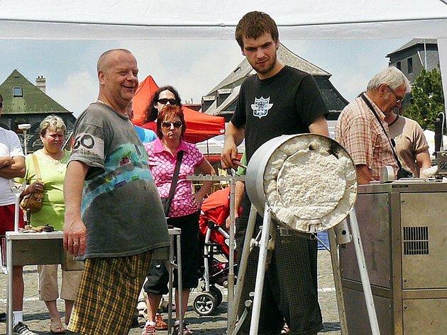 Stejně jako každý rok, tak i letos proběhly o víkendu Sklářské slavnosti.