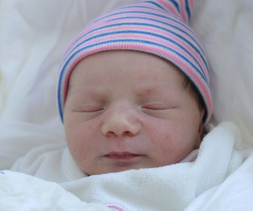 Rodičům Petře a Michalovi Jansovým z České Lípy se v pondělí 29. června ve 3:51 hodin narodila dcera Viktorie Jansová. Měřila 50 cm a vážila 3,46 kg.