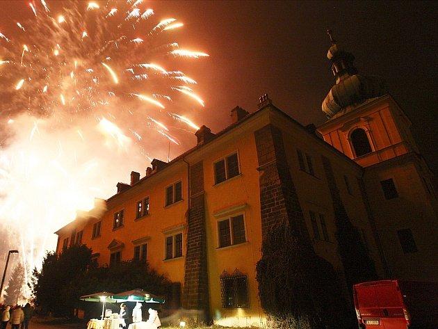 Areál zámku město využívá k nejrůznějším akcím, například se tu koná tradiční Novoroční ohňostroj.