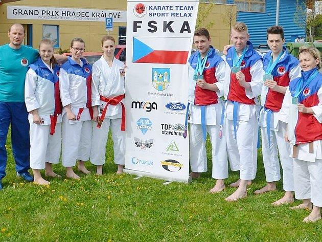 Českolipský karate klub Sport Relax reprezentoval Českou republiku a město Č. Lípa na Světovém poháru v Hradci Králové, nejprestižnější akci v ČR.