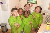 Nezisková organizace Rodina v centru se práci se sociálně slabou komunitou věnuje třetím rokem. Jako základnu pro ni vytvořila klubovnu Koblížek.