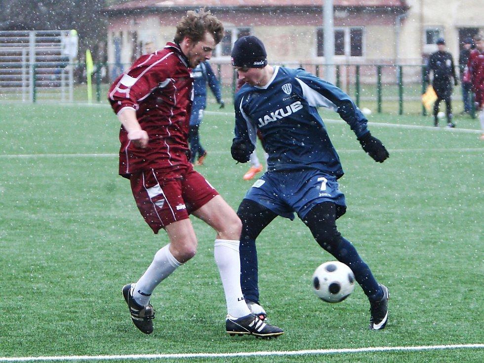 V prvním přátelském zápase letošní zimní přípravy inkasovali českolipští fotbalisté čtyři góly od Mnichova Hradiště.
