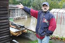 Hořkost nad další povodní neskrývá Stanislav Pečený z Horní Police.
