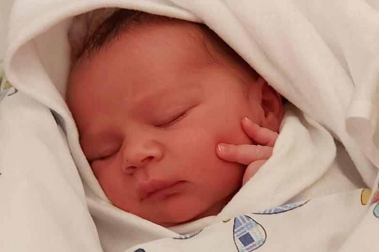 Rodičům Romaně Pilařové a Janu Bečičkovi z České Kamenice se v úterý 30. března ve 20:05 hodin narodil syn Jaroušek Bečička. Měřil 50 cm a vážil 3,32 kg.