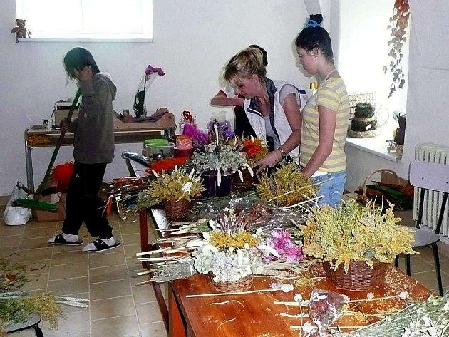 Dětský domov v Krompachu se zúčastnil Jarmarku pro šikovné ručičky.