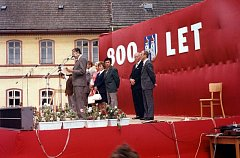 Takto v Kravařích před čtyřiceti lety slavili 800 let od první zmínky o obci.
