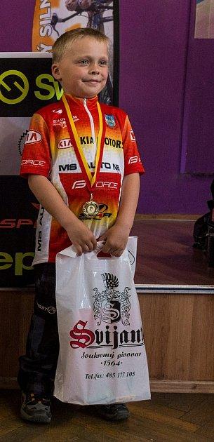Vítězem Českolipského silničního poháru za rok 2016vkategorii nejmladších dětí se stal Dominik Makovec ze Sportovního klubu MS AUTO.