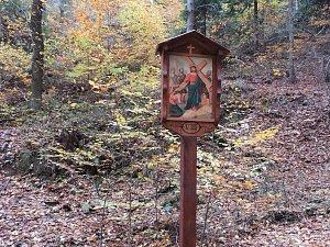 Křížová cesta a Modlivý důl ve Svojkově