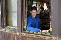 Azyl u ruin vytunelované chlouby Mimoně.