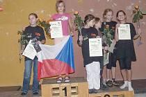 Novoborské sportovní lezkyně obsadily v Německu nejvyšší příčky. Na snímku zleva jsou Tereza Kozáková a Kateřina Bělková.