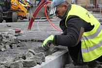 Rekonstrukce novoborského náměstí míří do finále.