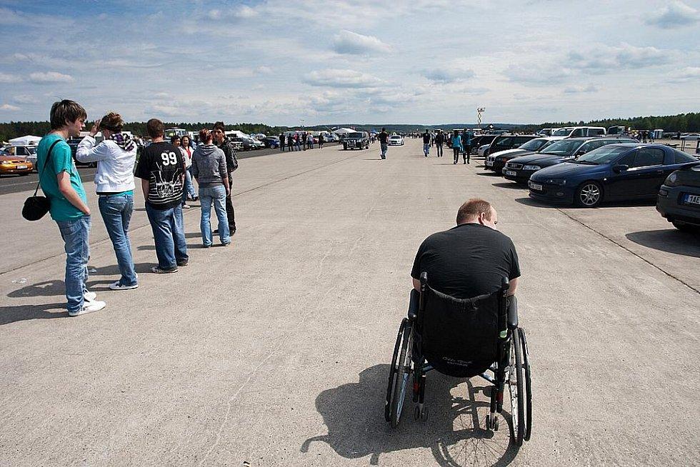 Do areálu letiště v Hradčanech se každoročně sjížděli milovníci tuningu.