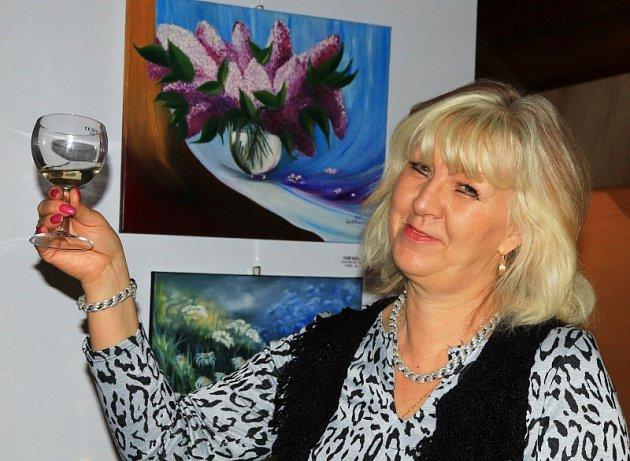 Jitka Havlíčková tvoří sláskou. Díla teď vystavuje vMimoni.