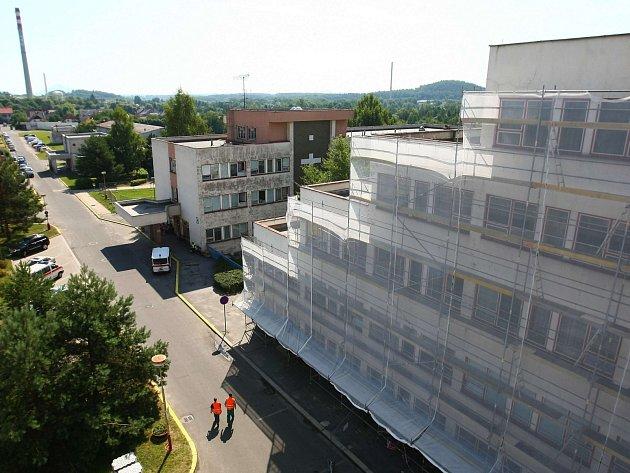 Zateplení nemocnice odstartovalo loni v létě.