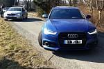 Marně se trojice cizinců minulý týden pokusila převést přes Českou republiku drahá vozidla, která ukradli v Německu.
